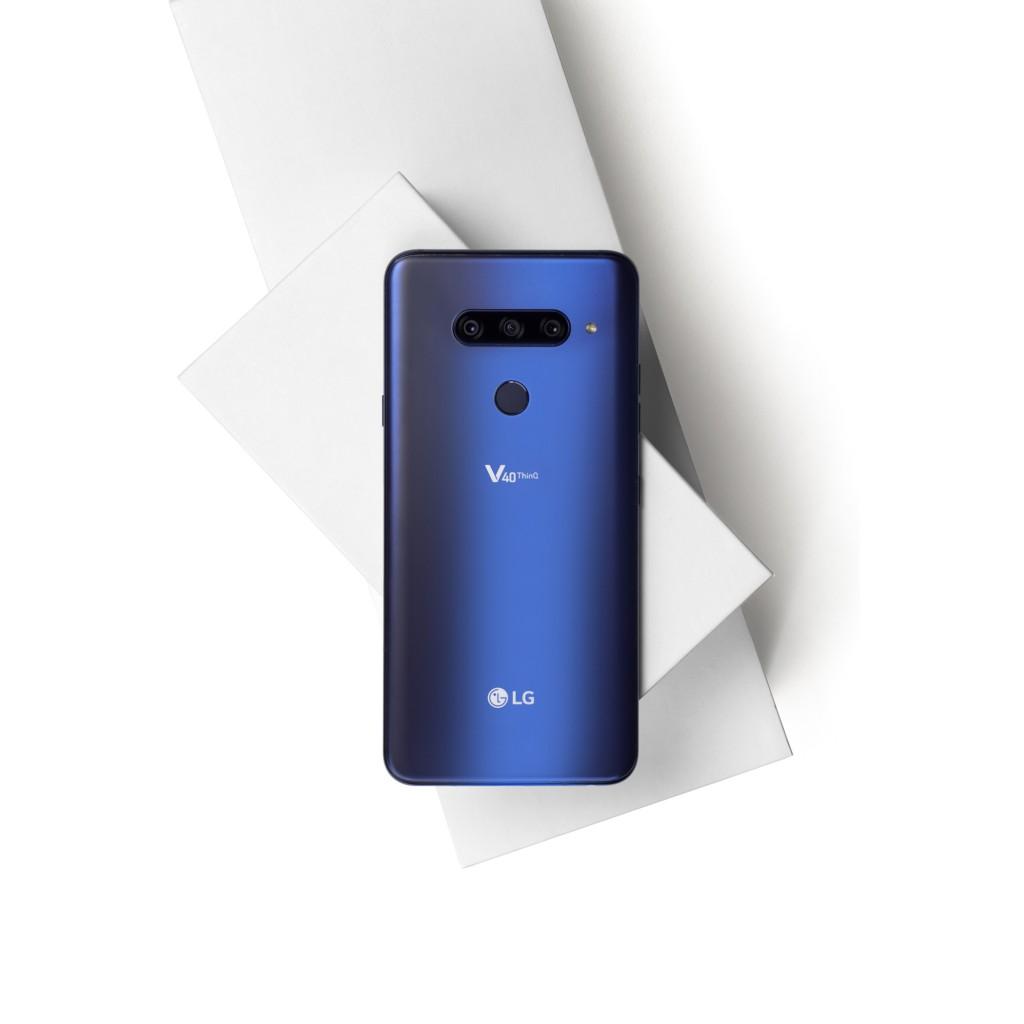 LG V40 ThinQ 005